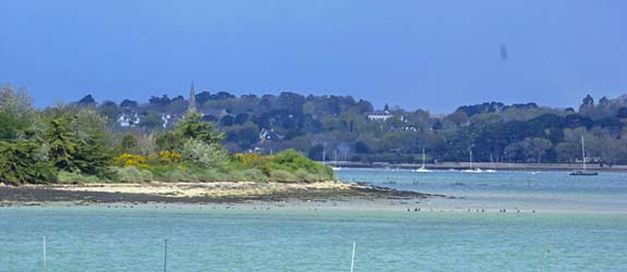 cheaper holidays in morbihan